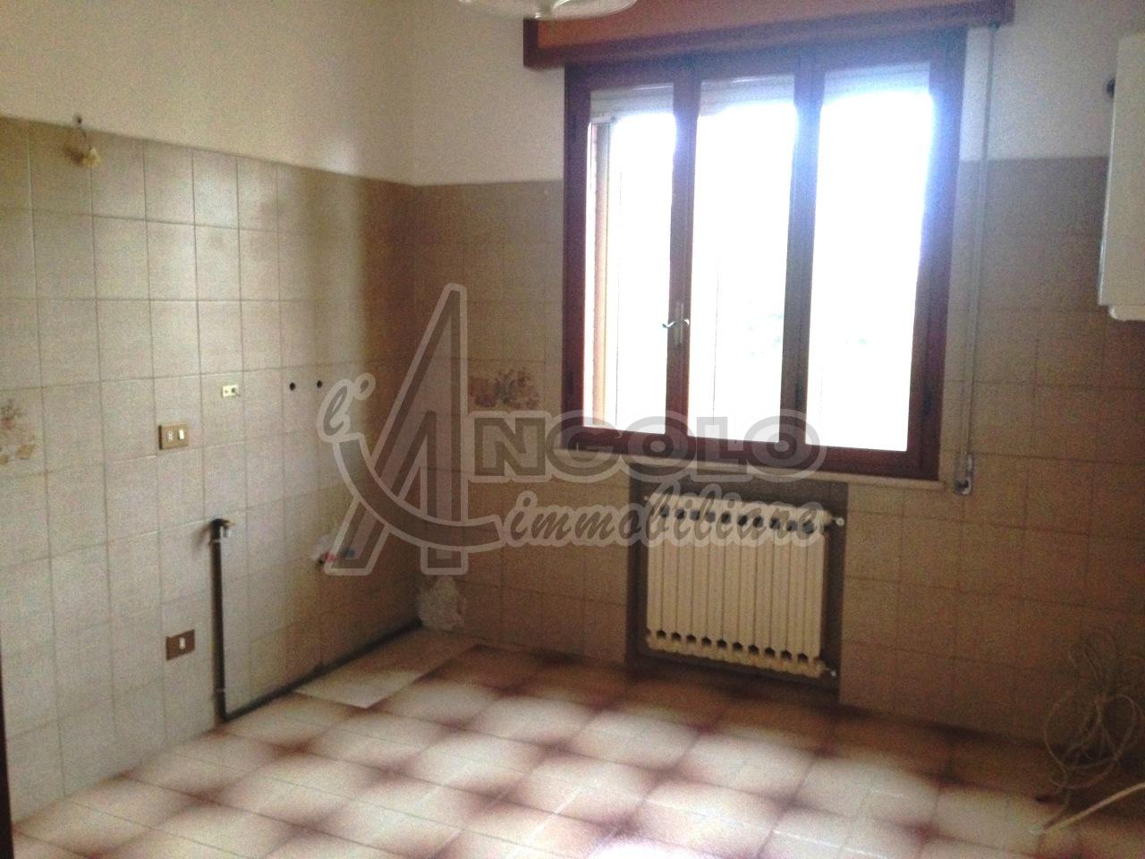 Appartamento in affitto a Occhiobello, 5 locali, prezzo € 430 | Cambio Casa.it