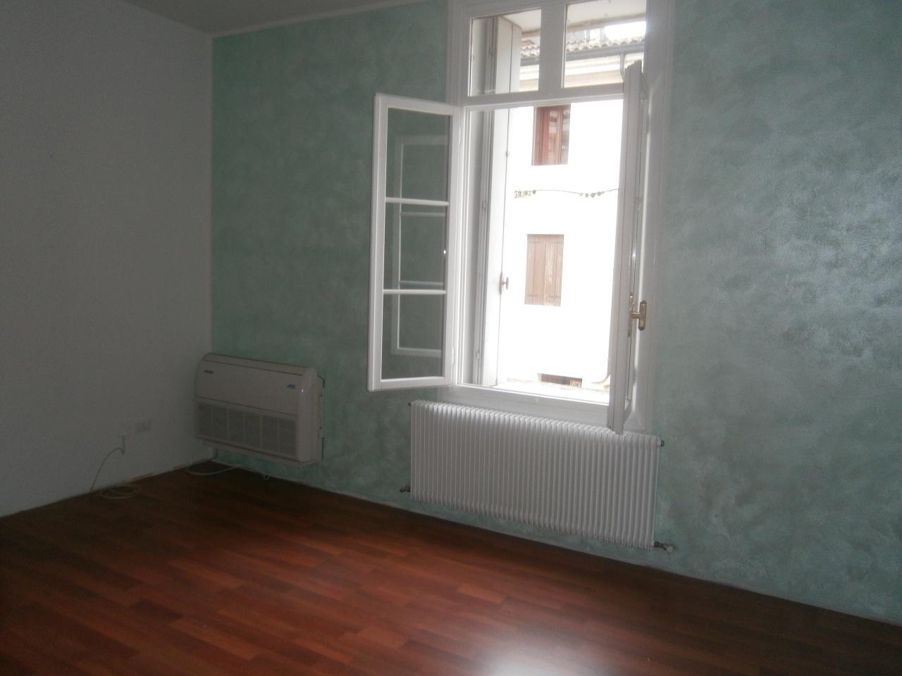 Ufficio / Studio in affitto a Lonigo, 5 locali, prezzo € 600 | Cambio Casa.it