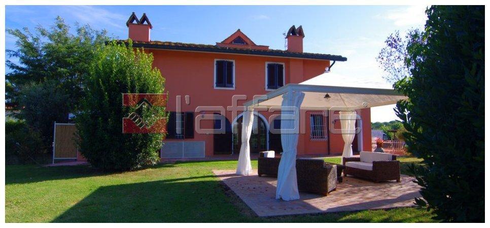Villa in vendita a Ponsacco, 10 locali, prezzo € 780.000 | Cambio Casa.it