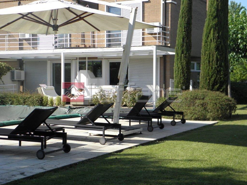 Villa in vendita a Pontedera, 8 locali, prezzo € 480.000 | Cambio Casa.it
