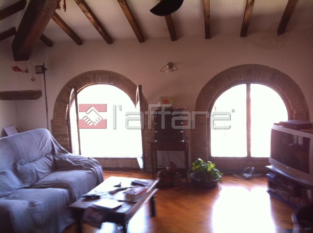 Appartamento in vendita a Chianni, 4 locali, prezzo € 165.000 | Cambio Casa.it