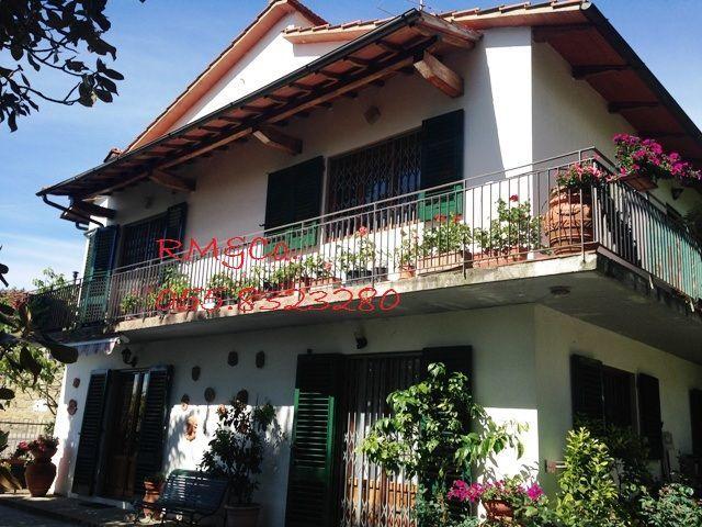 Villa in vendita a Rufina, 6 locali, prezzo € 330.000 | Cambio Casa.it