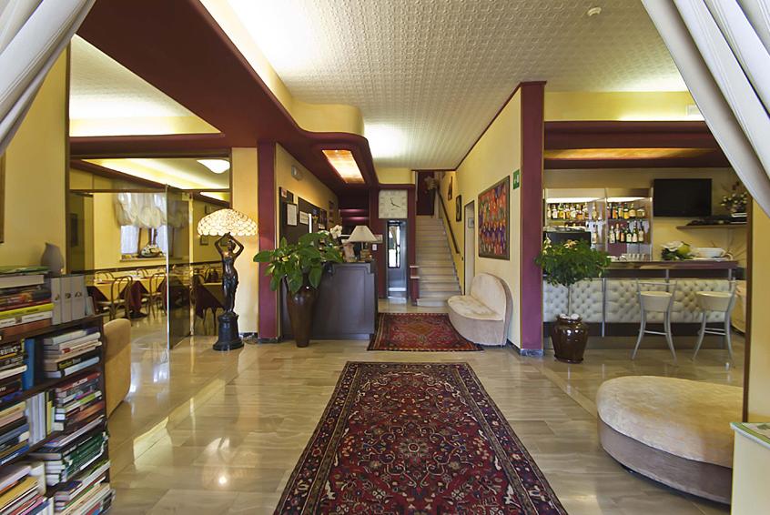 Albergo in vendita a Montecatini-Terme, 20 locali, prezzo € 1.200.000 | Cambio Casa.it