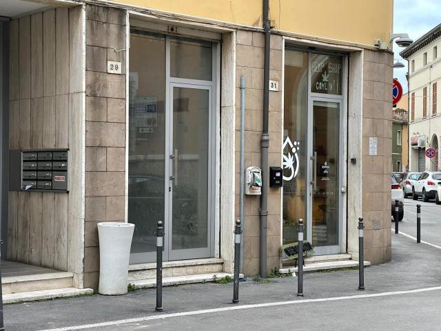 Vai alla scheda: Locale Commerciale Vendita - Forlì (FC) - Codice -3386