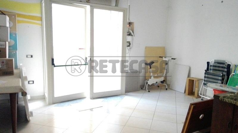 Negozio / Locale in affitto a Mercato San Severino, 1 locali, prezzo € 450 | Cambio Casa.it