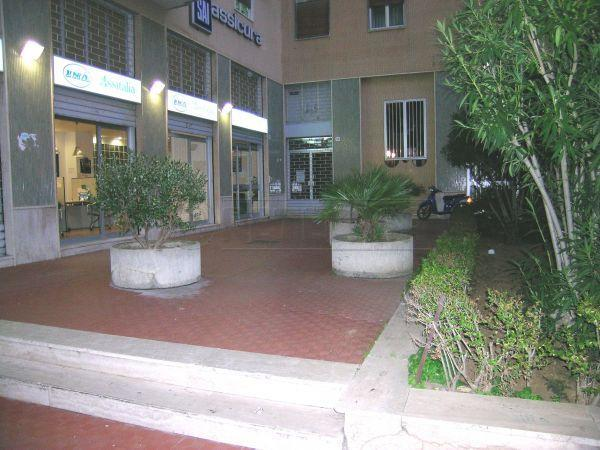 Negozio / Locale in affitto a Caltanissetta, 9999 locali, prezzo € 1.500 | Cambio Casa.it