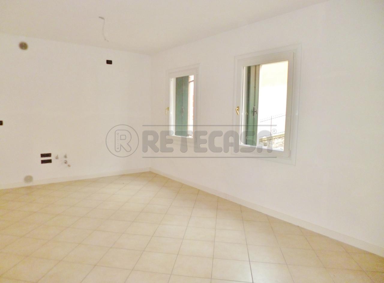 Appartamento in vendita a Montorso Vicentino, 4 locali, prezzo € 110.000   Cambio Casa.it