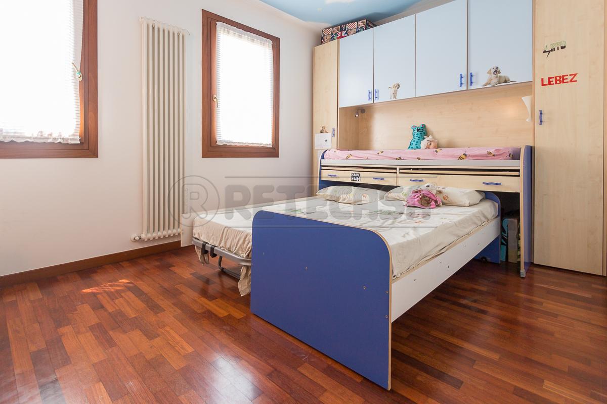 Bilocale Bolzano Vicentino Via Roma 52 11