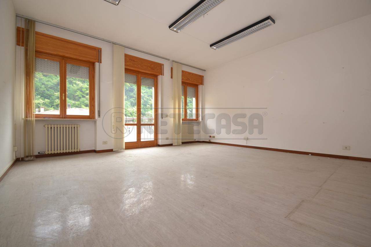 Ufficio in affitto a valdagno di 170mq c155 retecasa for Cerco ufficio in affitto