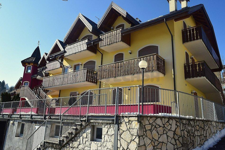 Appartamento in vendita a Roana, 4 locali, prezzo € 168.000   Cambio Casa.it