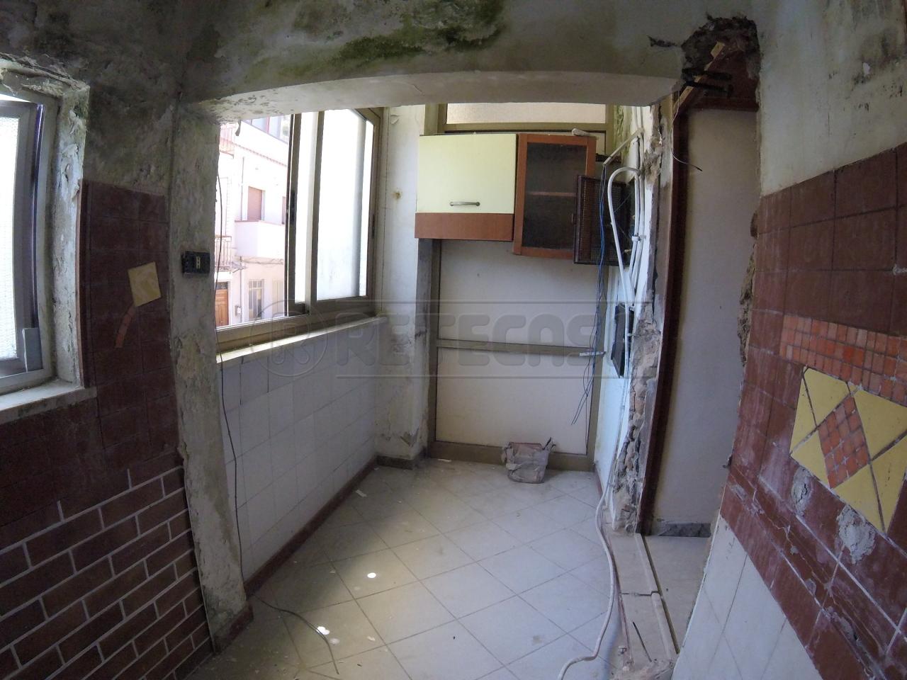 Bilocale Messina Via Comunale Santo  40 7