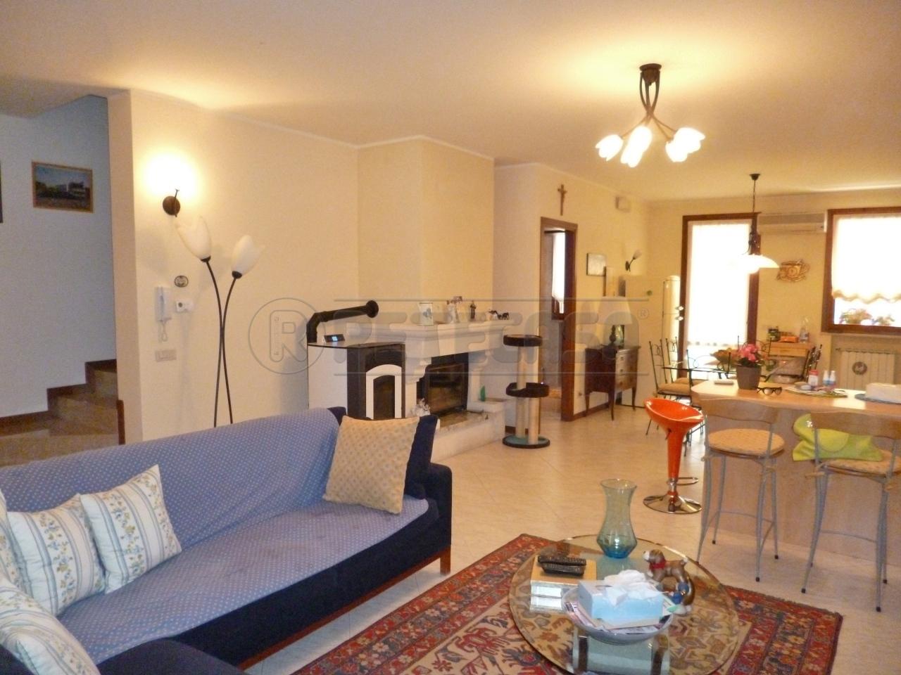 Soluzione Semindipendente in vendita a Gambellara, 9999 locali, prezzo € 180.000   Cambio Casa.it