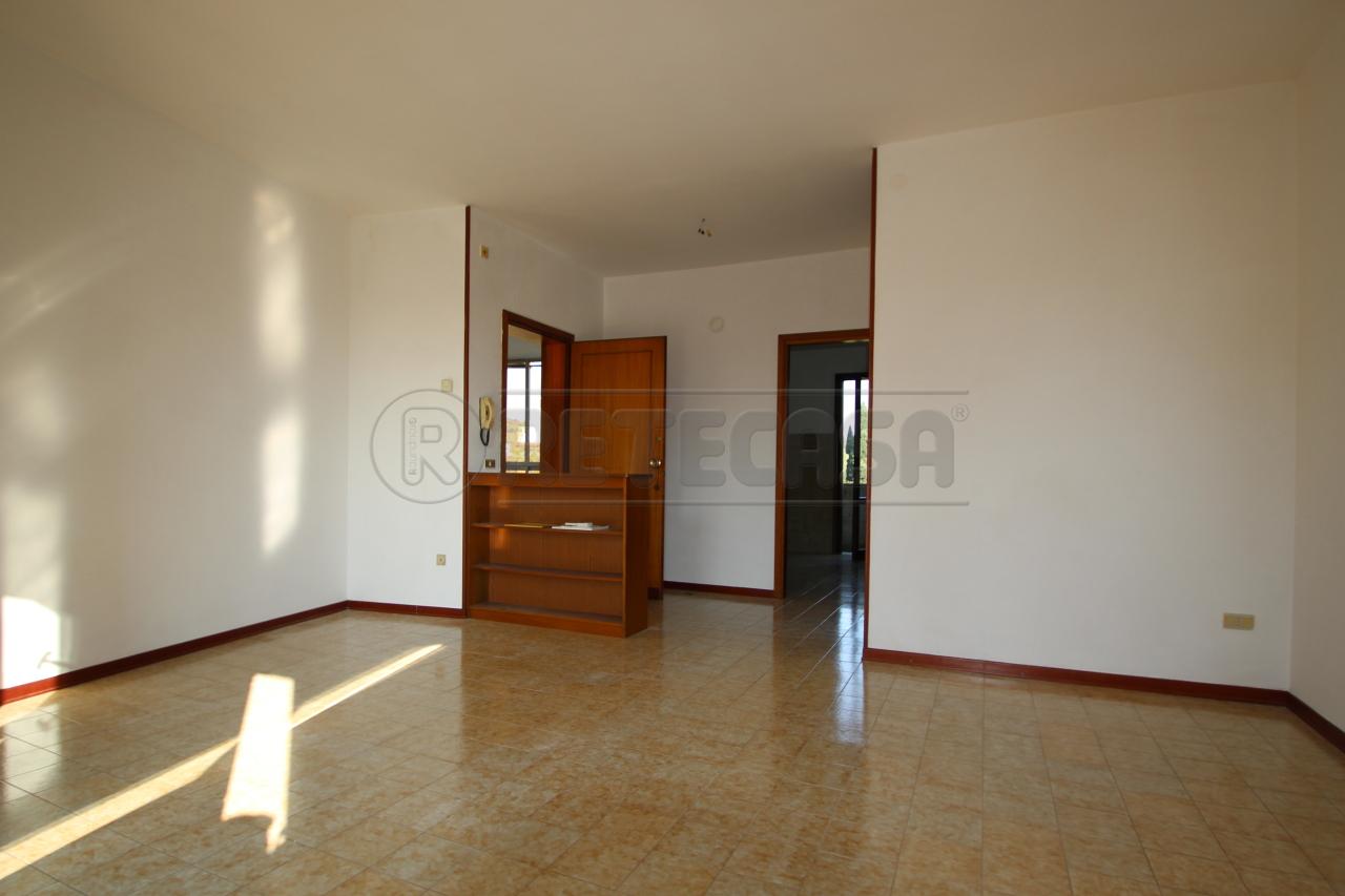 Appartamento in vendita a Breganze, 5 locali, prezzo € 100.000 | Cambio Casa.it