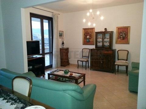 Appartamento in vendita a Mercato San Severino, 4 locali, prezzo € 215.000 | Cambio Casa.it