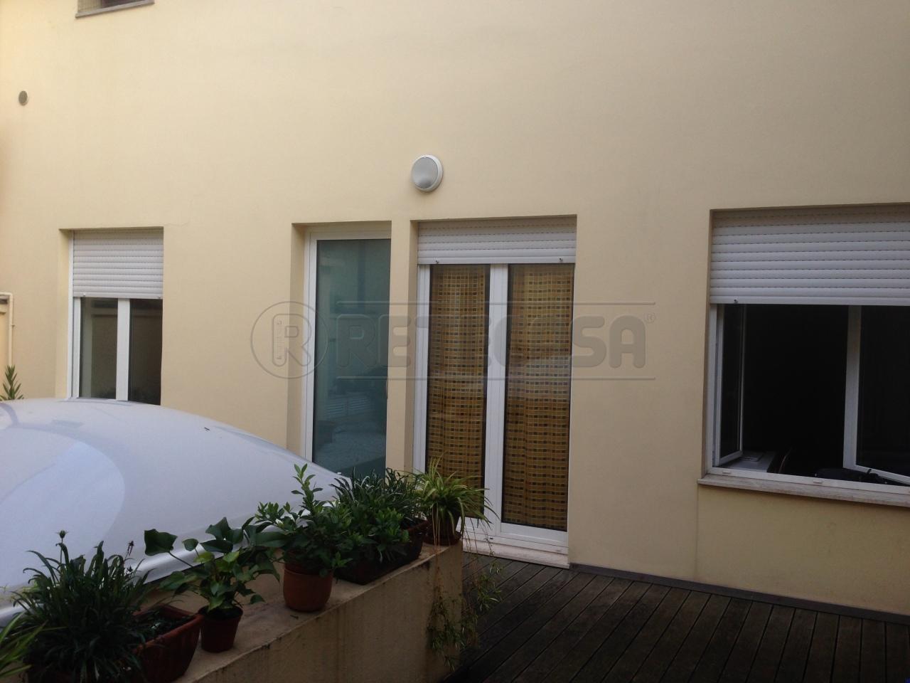Bilocale Ancona Via San Martino 9