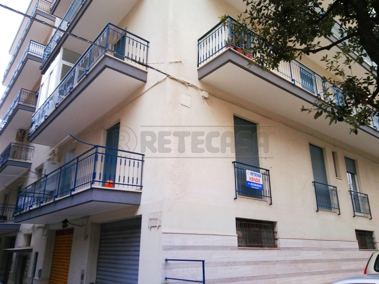 Appartamento in vendita a Locorotondo, 5 locali, prezzo € 152.000 | Cambio Casa.it