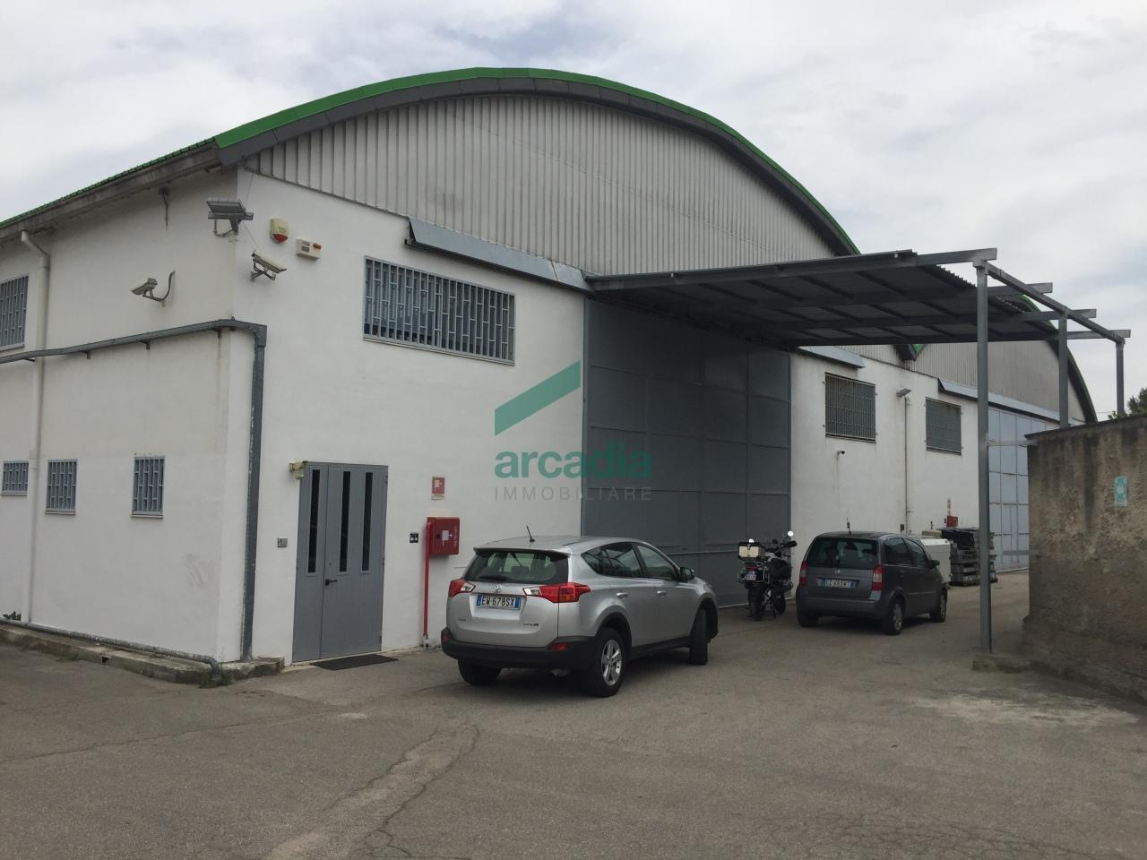 Capannone in affitto a Modugno, 1 locali, prezzo € 8.000 | Cambio Casa.it