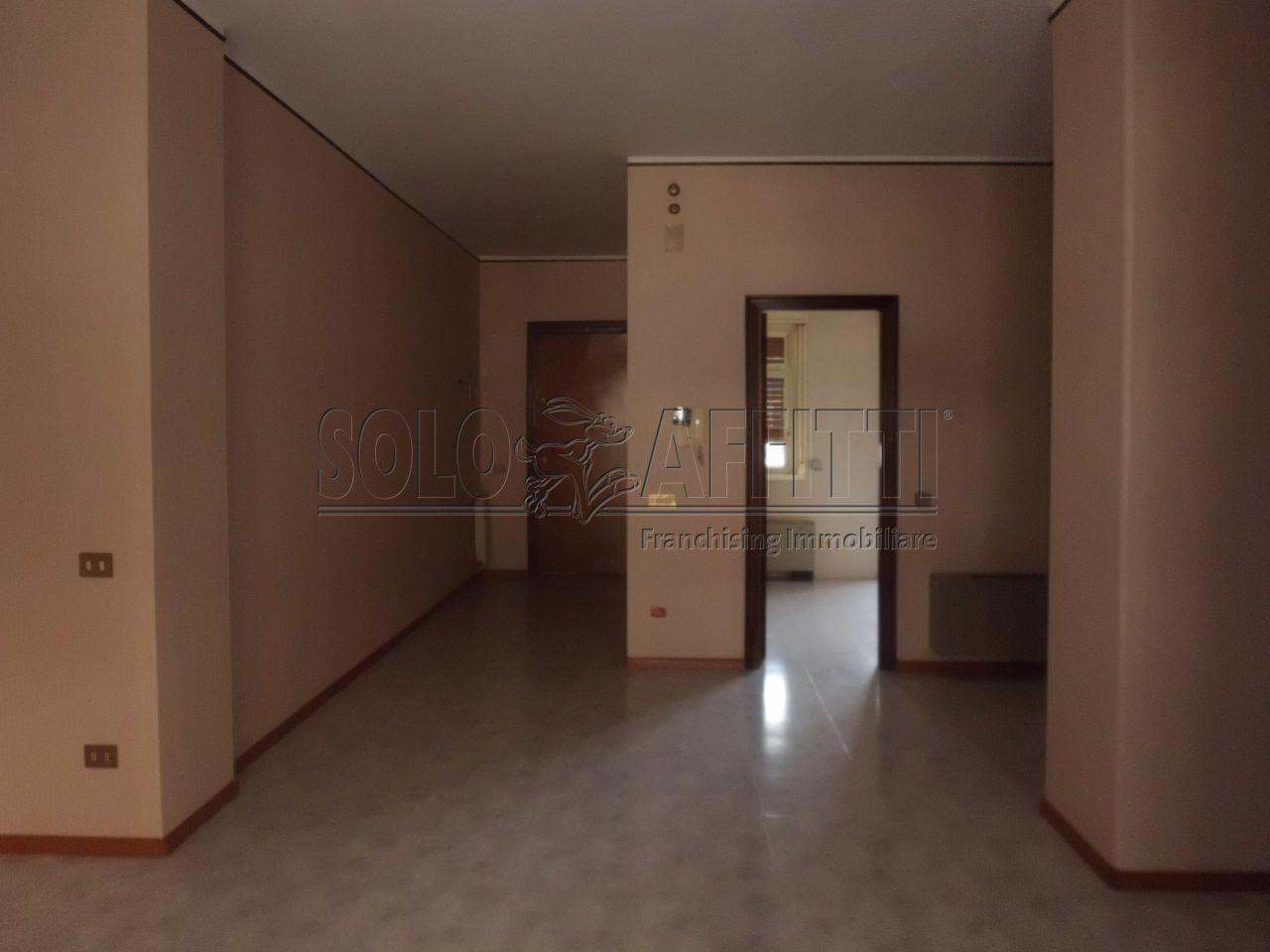 Appartamento a catania 135 mq for Costo aggiuntivo garage