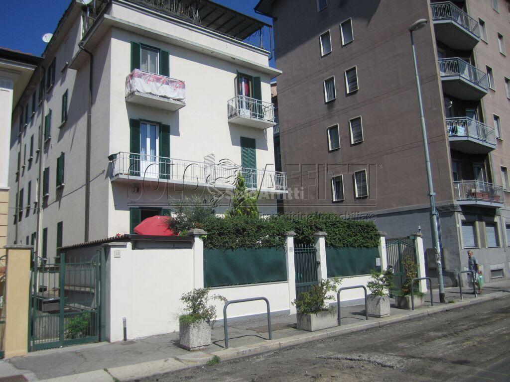 Bilocale Pavia Via Bricchetti 48 12