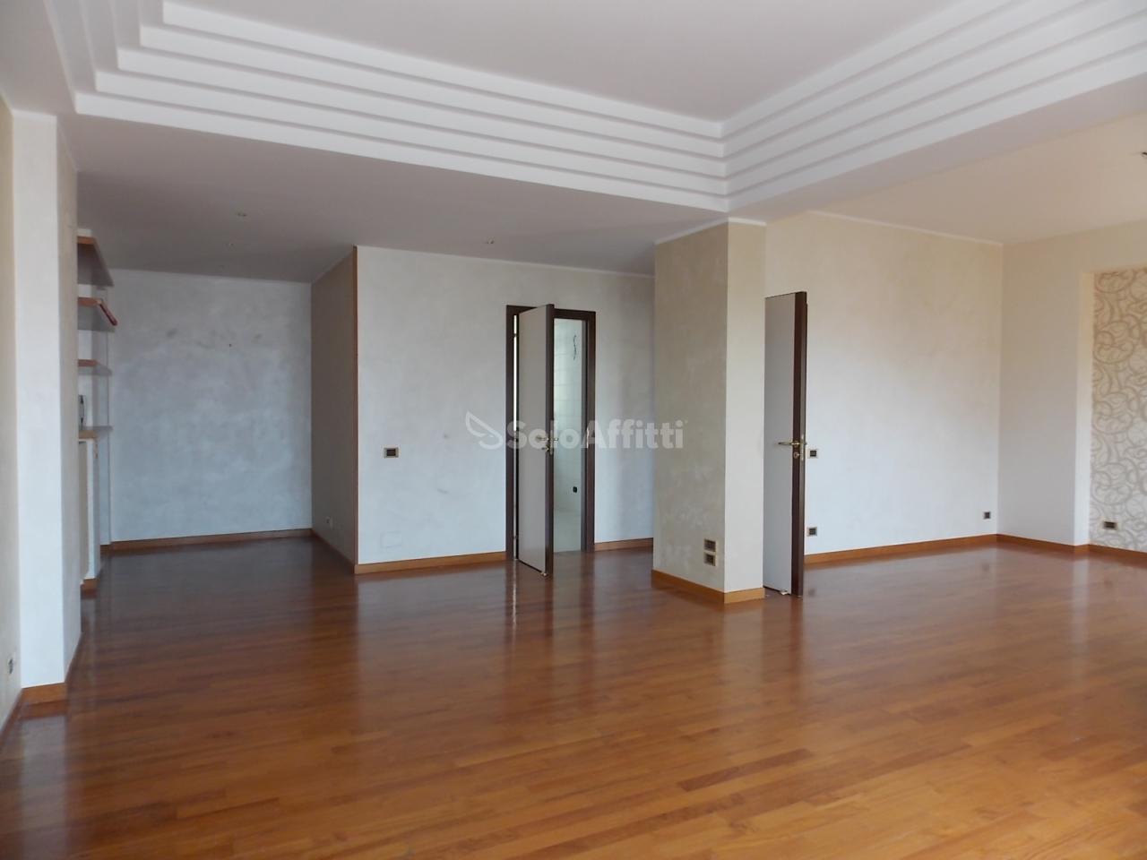 Appartamento, 120 Mq, Affitto - Catanzaro (Catanzaro)