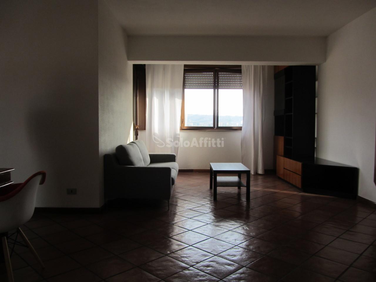 Appartamento, 90 Mq, Affitto - Terni (Terni)