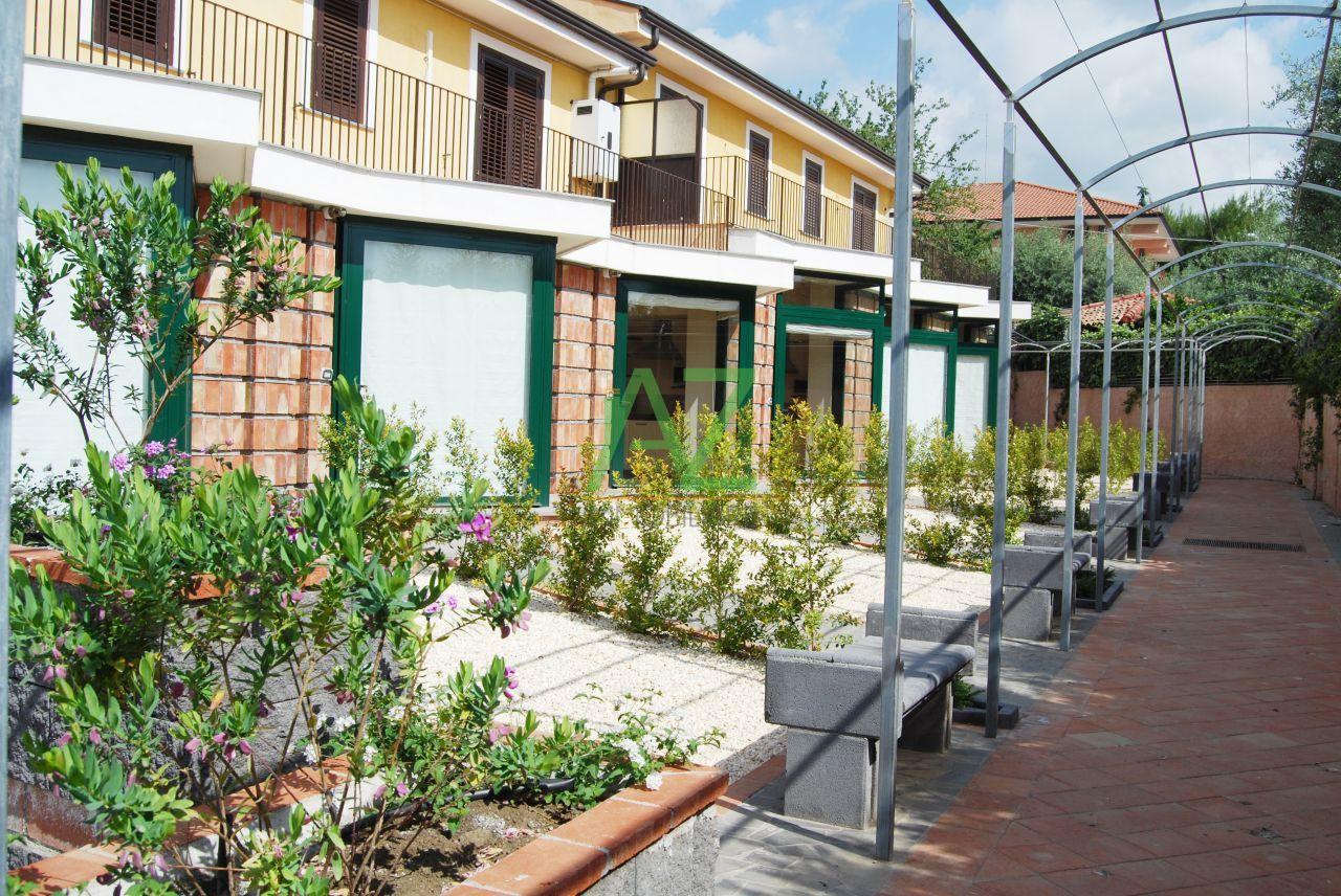 Appartamento in affitto a Viagrande, 2 locali, prezzo € 400 | Cambio Casa.it