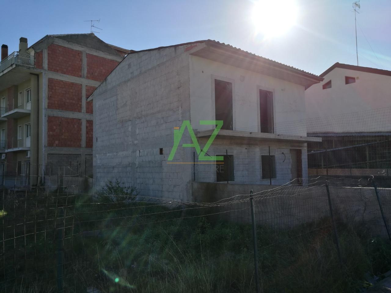 Villa in vendita a Belpasso, 6 locali, prezzo € 148.000 | Cambio Casa.it