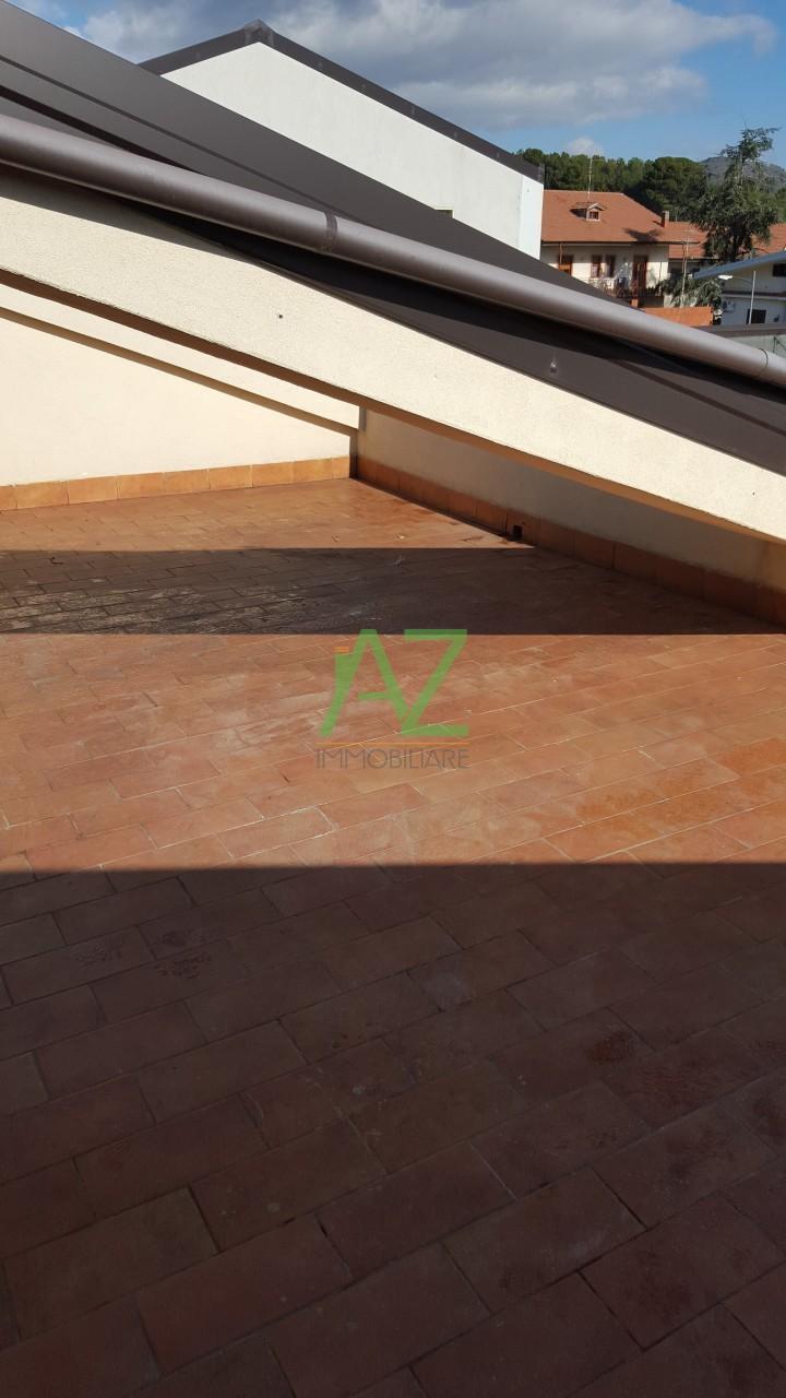 Attico / Mansarda in affitto a Nicolosi, 4 locali, prezzo € 600 | Cambio Casa.it