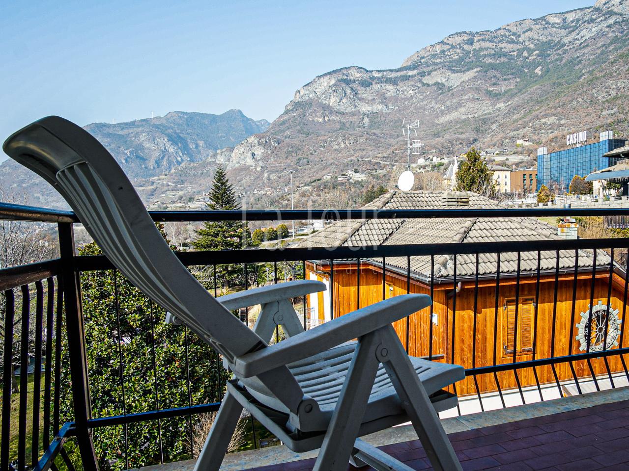Appartamento in vendita a Saint-vincent (AO)