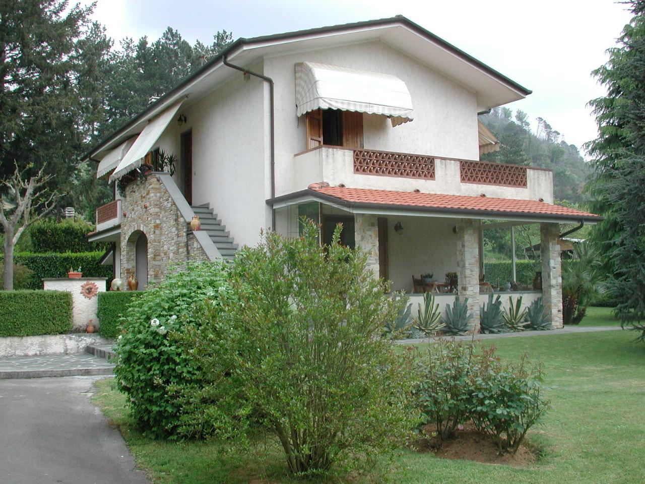 Soluzione Indipendente in vendita a Camaiore, 8 locali, prezzo € 600.000 | Cambio Casa.it