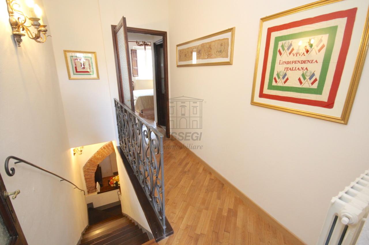 Appartamento Lucca Centro storico IA03309 img 13