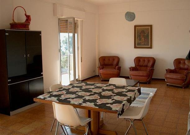 Appartamento in vendita a Brancaleone, 3 locali, prezzo € 60.000 | Cambio Casa.it