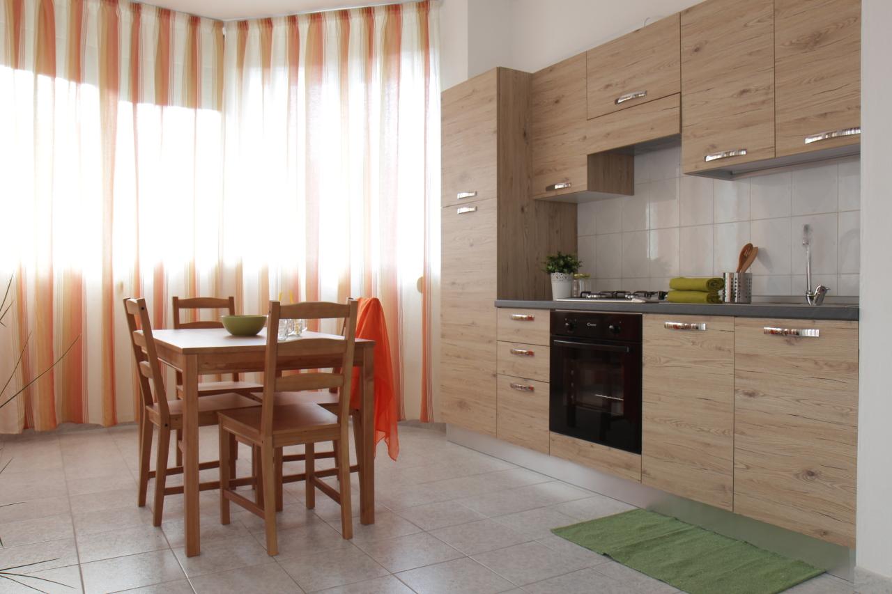 Appartamento in affitto a Assemini, 2 locali, prezzo € 420 | CambioCasa.it