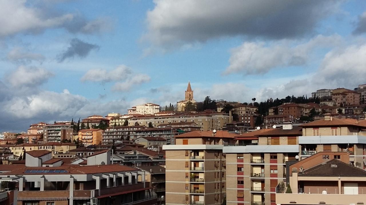 Appartamento 5 locali in vendita a Perugia (PG)