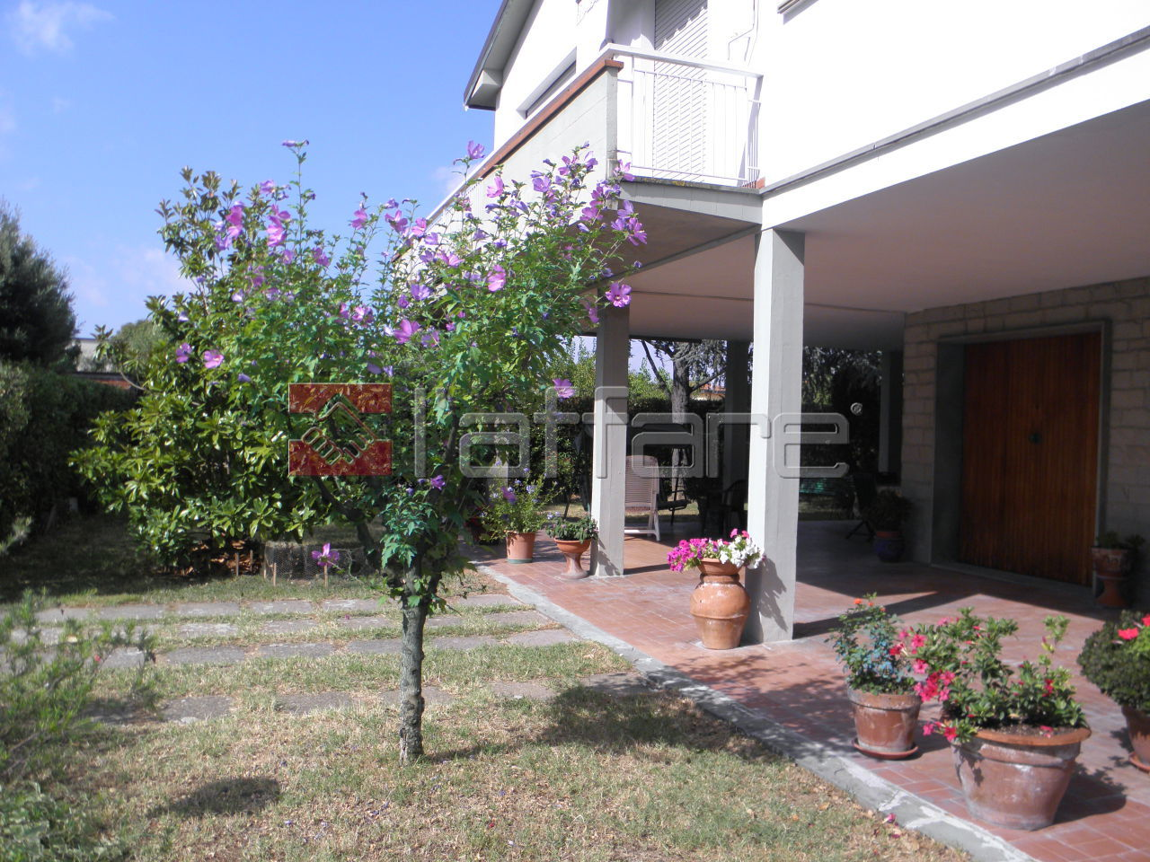 Villa in vendita a Ponsacco, 8 locali, prezzo € 375.000 | Cambio Casa.it