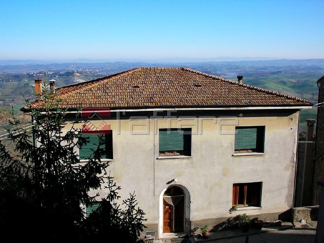 Soluzione Indipendente in vendita a Chianni, 14 locali, prezzo € 280.000 | Cambio Casa.it
