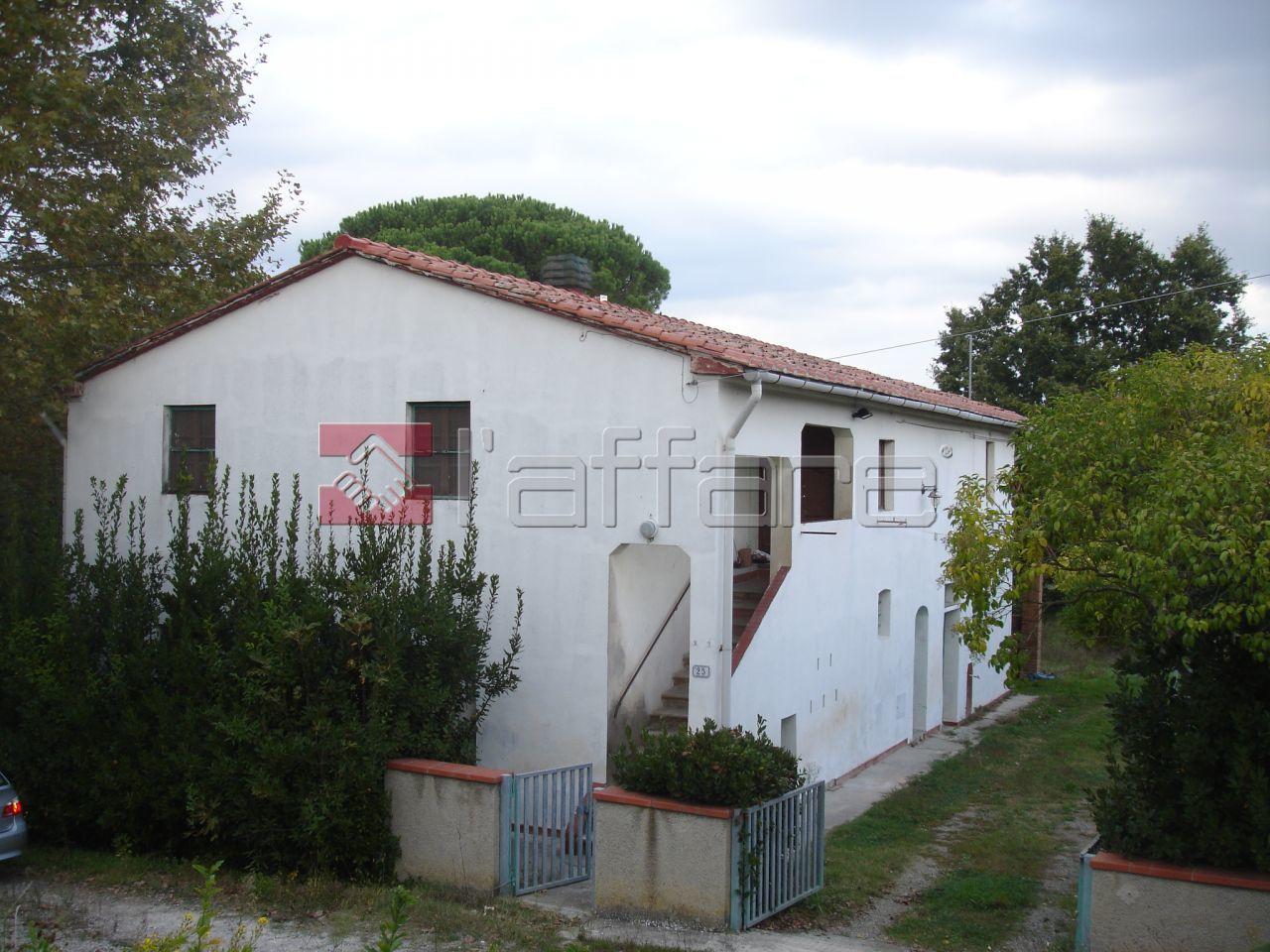 Rustico / Casale in vendita a Capannoli, 6 locali, prezzo € 250.000 | CambioCasa.it