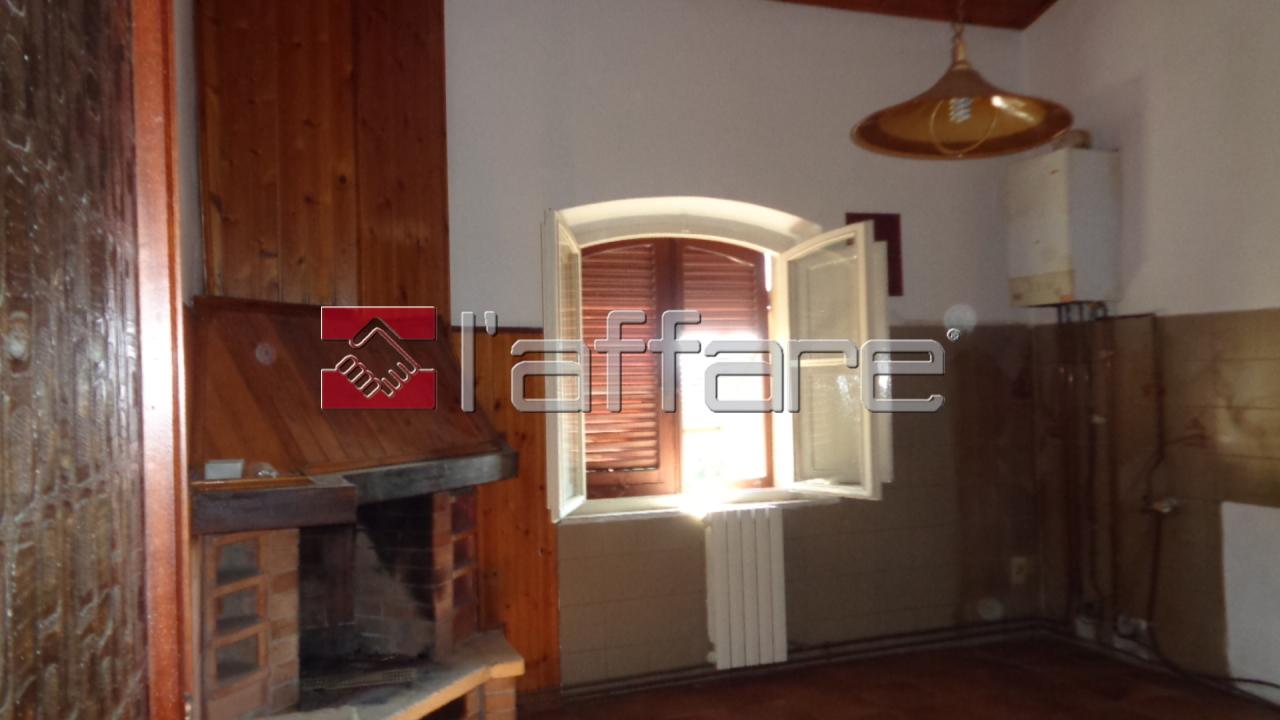 Rustico / Casale in vendita a Capannoli, 4 locali, prezzo € 77.000 | CambioCasa.it