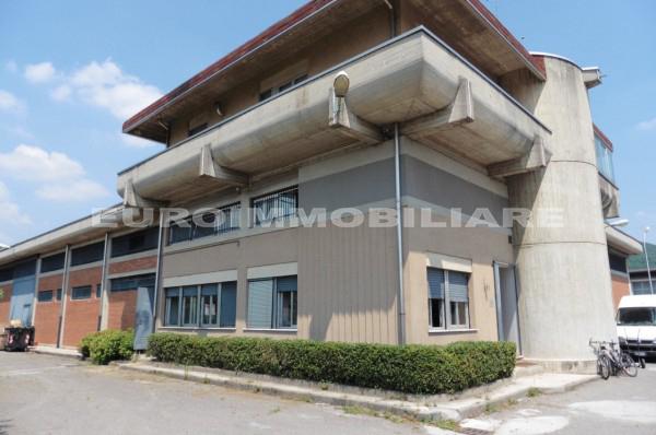 Capannone in vendita a Rezzato, 10 locali, prezzo € 870.000   CambioCasa.it