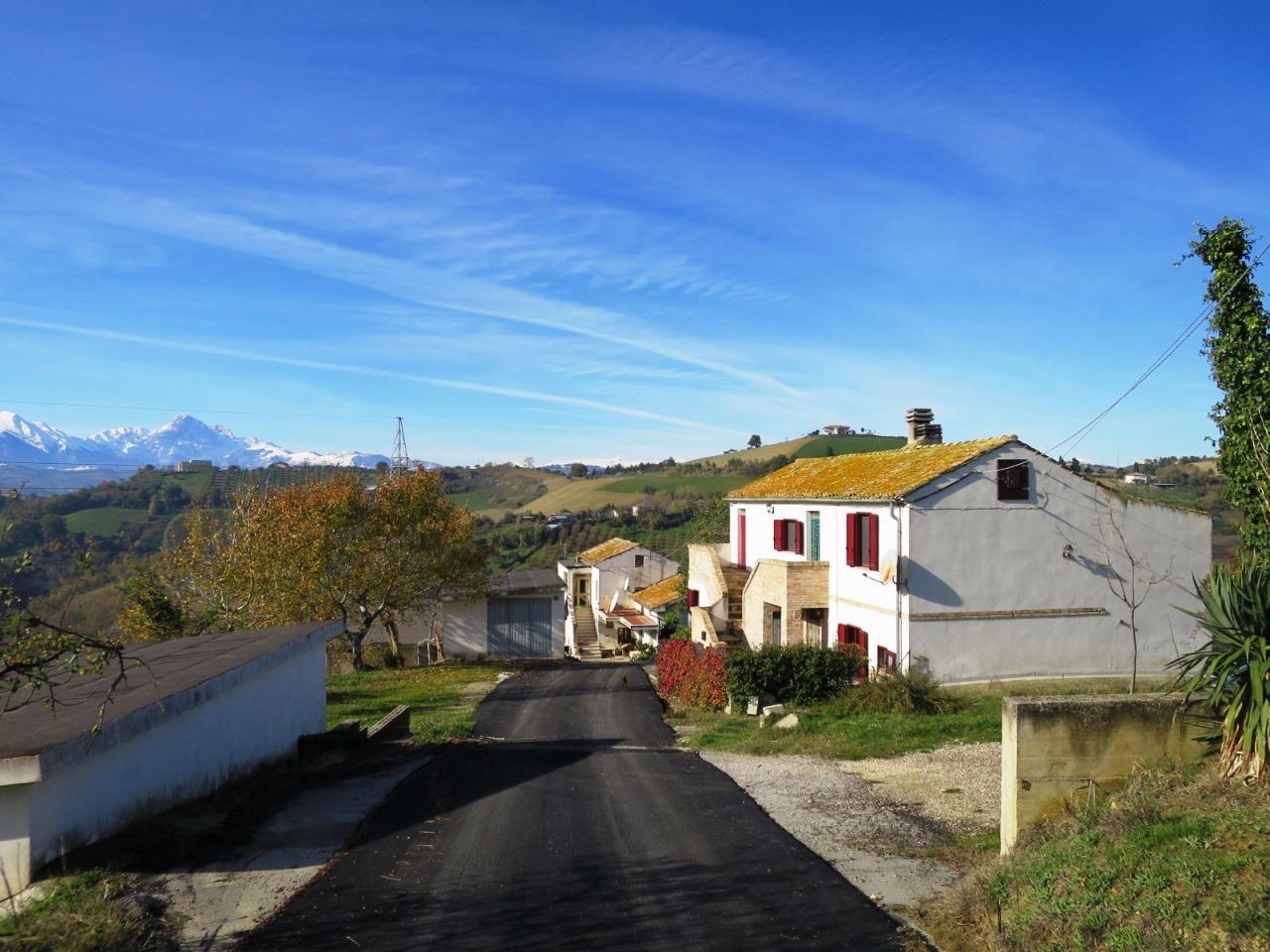 Casolare castilenti te el572 casa torrette in for Case con torrette