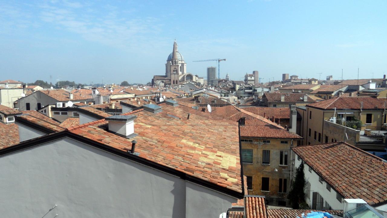 Bilocale Mantova Via Grazioli 1