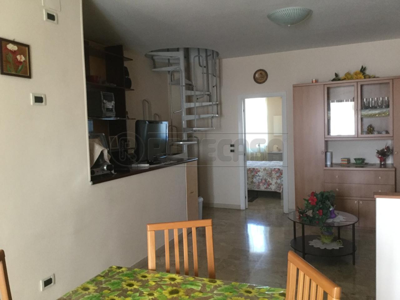 Appartamento in vendita a Ancona, 3 locali, prezzo € 90.000 | Cambio Casa.it