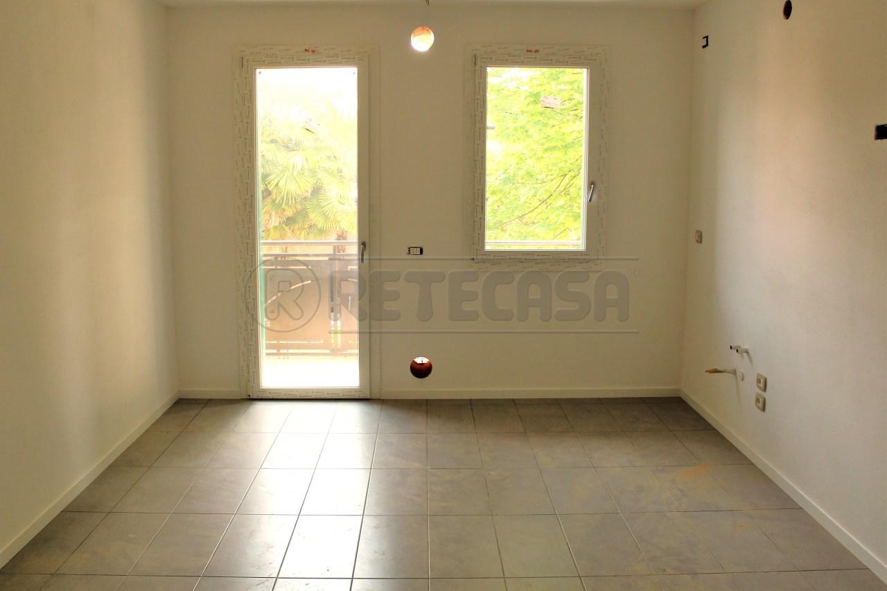 Appartamento in vendita a Padova, 4 locali, prezzo € 170.000 | Cambio Casa.it