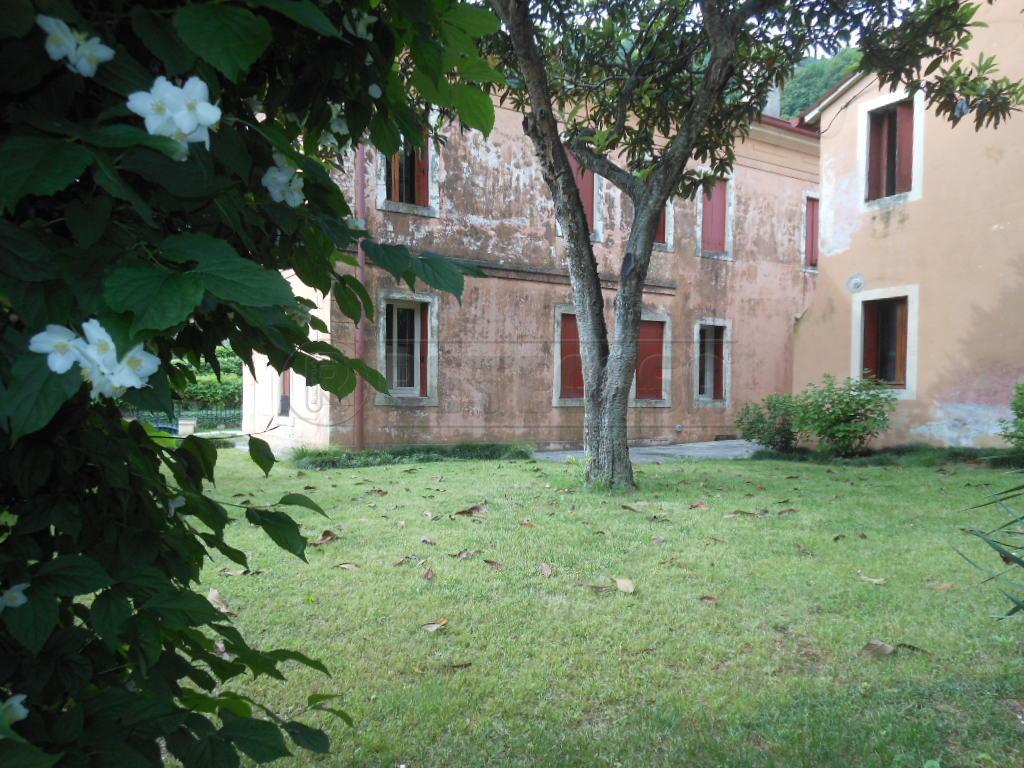 Villa in affitto a Bassano del Grappa, 7 locali, prezzo € 1.100 | Cambio Casa.it