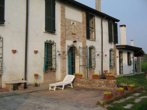 Soluzione Indipendente in vendita a Curtatone, 9999 locali, prezzo € 360.000 | Cambio Casa.it