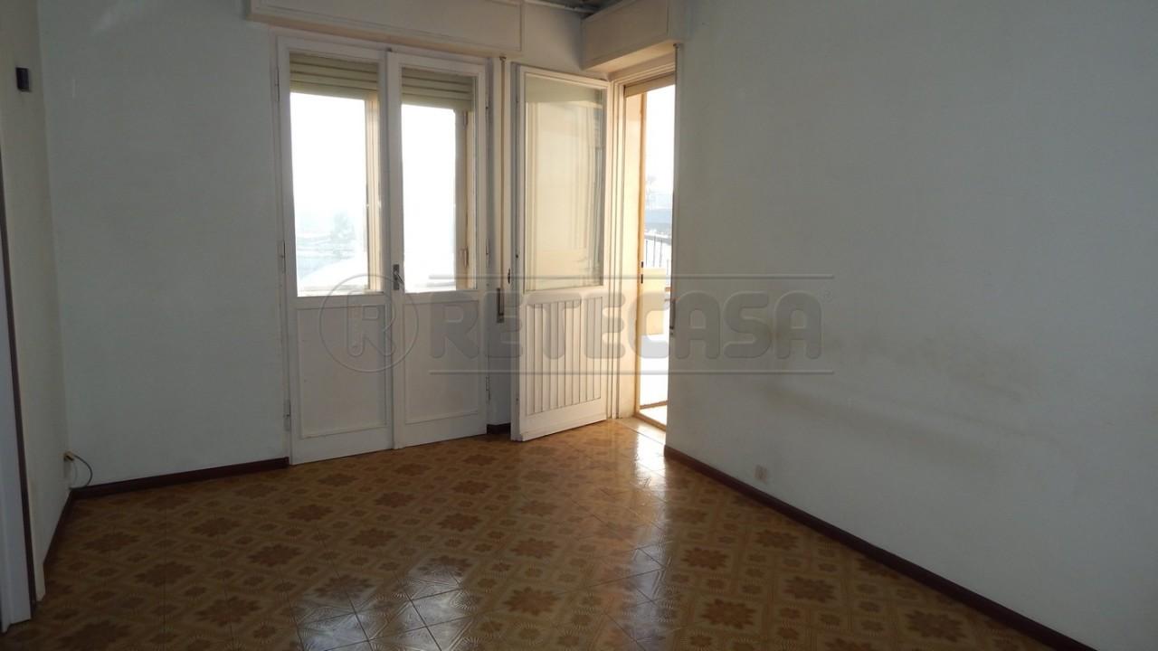 Appartamento in vendita a Monfalcone, 5 locali, prezzo € 60.000 | Cambio Casa.it