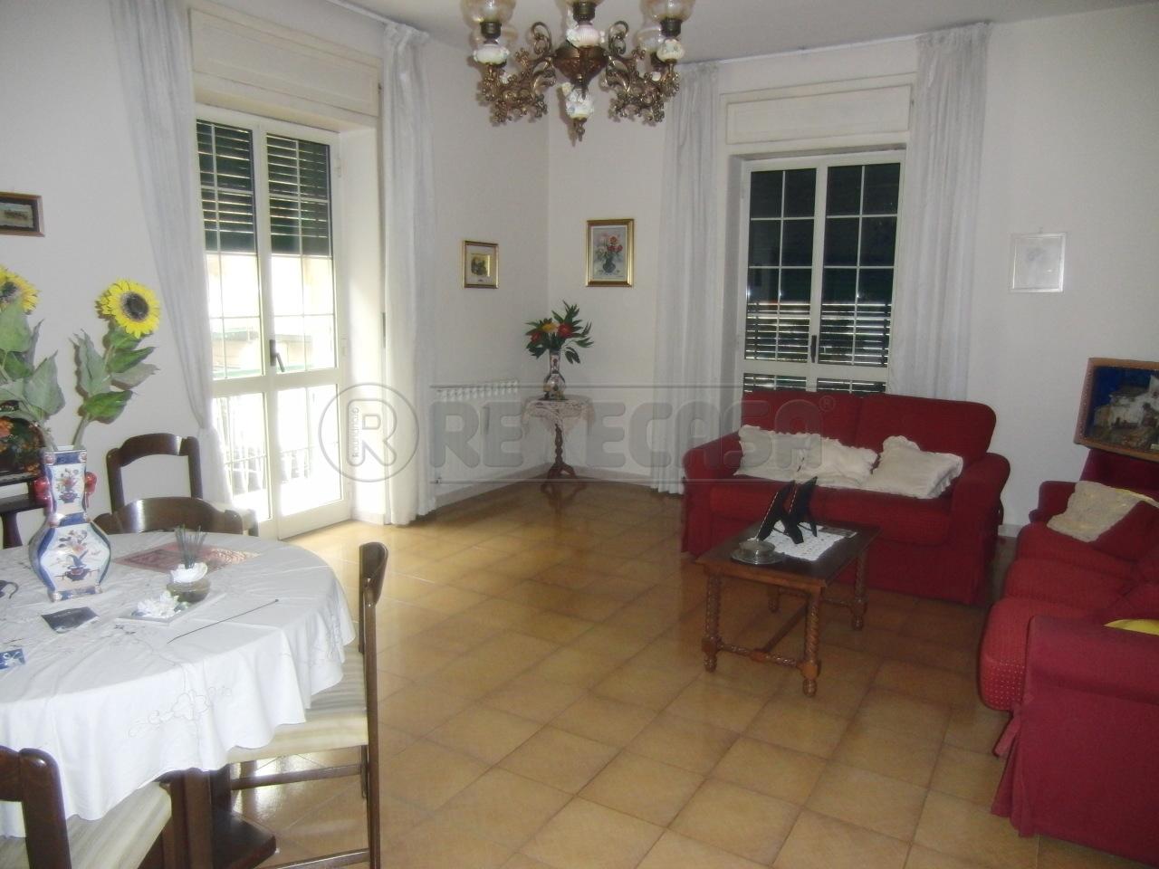 Appartamento in vendita a Siracusa, 5 locali, prezzo € 125.000 | Cambio Casa.it