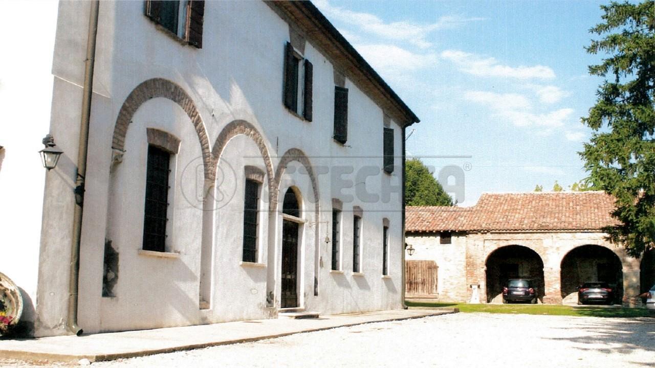 Rustico / Casale in vendita a Marcaria, 17 locali, Trattative riservate | Cambio Casa.it