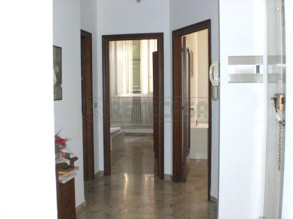 Appartamento quadrilocale in affitto a Ancona (AN)-9