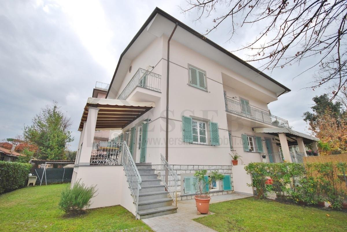 Soluzione Semindipendente in Affitto a Pietrasanta